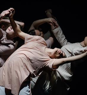 "Eksperimental šokio spektaklis ""State of Flow"""