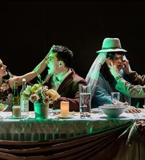 Valstybinis jaunimo teatras: N18  VIENOS MIŠKO PASAKOS rež. Yana Ross